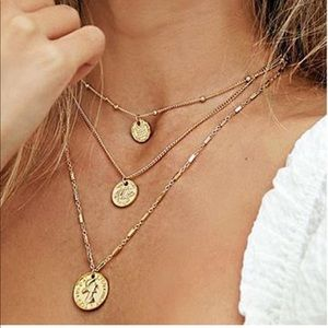 3/$25 Gold plated 3 layer pendent necklace